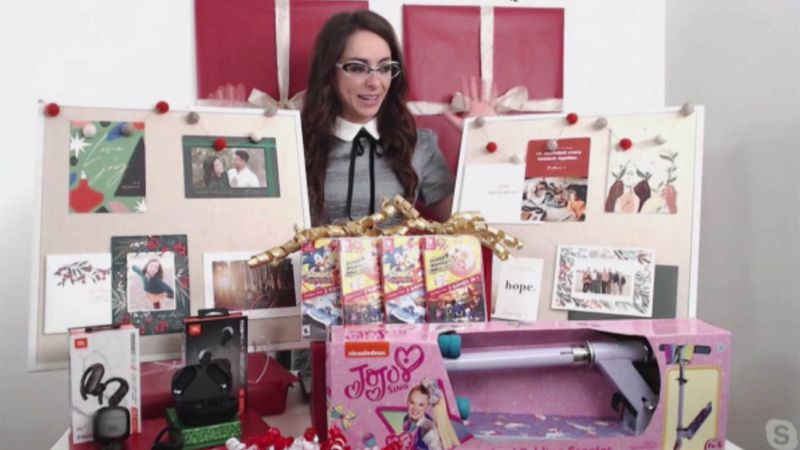 Katie Linendoll has a look at some hot holiday tech toys.