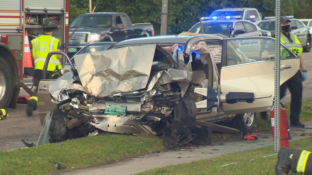 Police name driver of stolen car in fatal crash.