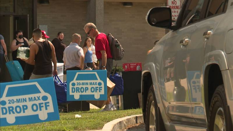 Students at SUNY Plattsburgh started flocking back to campus on Thursday.
