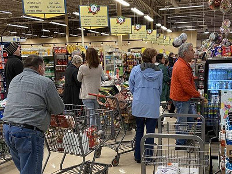 Grocery stores challenged by shopping surge, supply chain bottlenecks