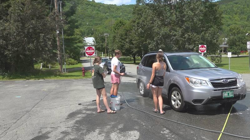 Car wash raises money for homeless veterans