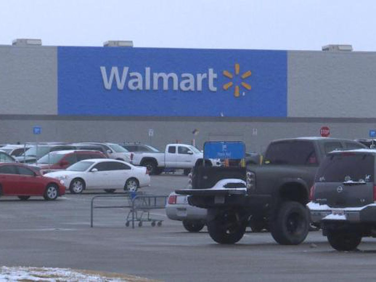 Walmart Turning 160 Parking Lots Into Drive In Theaters
